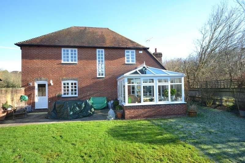 5 Bedrooms Link Detached House for sale in Emmer Green