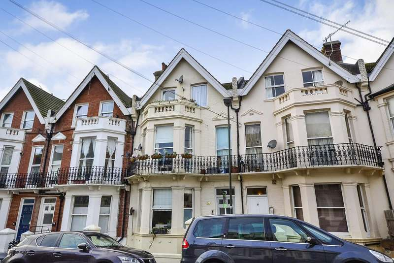 1 Bedroom Flat for sale in Wilton Road, Bexhill On Sea, TN40