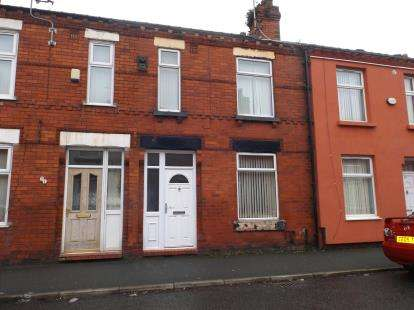3 Bedrooms Terraced House for sale in Station Road, Eccles, Manchester, Greater Manchester