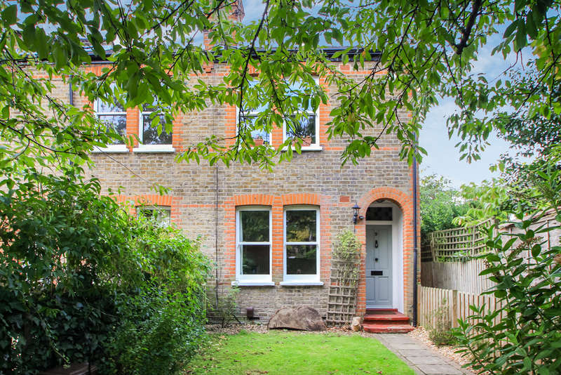 2 Bedrooms End Of Terrace House for sale in Grove Footpath, Surbiton