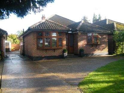 3 Bedrooms Bungalow for sale in Billericay, Essex