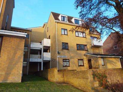 3 Bedrooms Flat for sale in Frogmore, Fareham, Hampshire