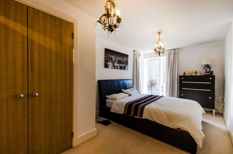 3 Bedrooms Flat for sale in St Davids Square, Isle Of Dogs, E14