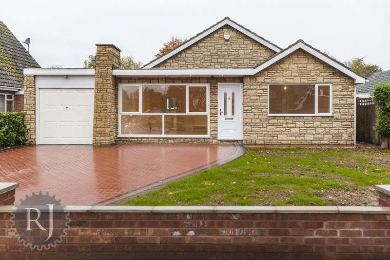 3 Bedrooms Detached House for sale in Whalley Drive, Bletchley, Milton Keynes