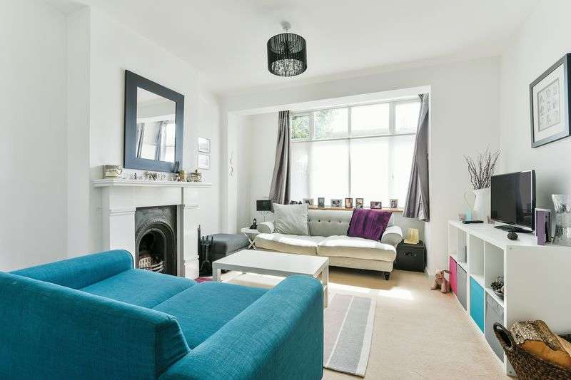 3 Bedrooms Terraced House for sale in Woodmansterne Road, London