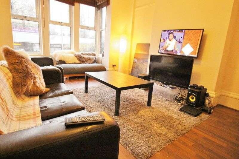 8 Bedrooms Terraced House for rent in Kirkstall Lane, Leeds