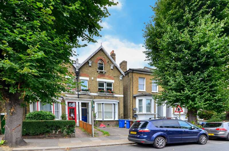 3 Bedrooms Flat for sale in Barry Road, East Dulwich, SE22