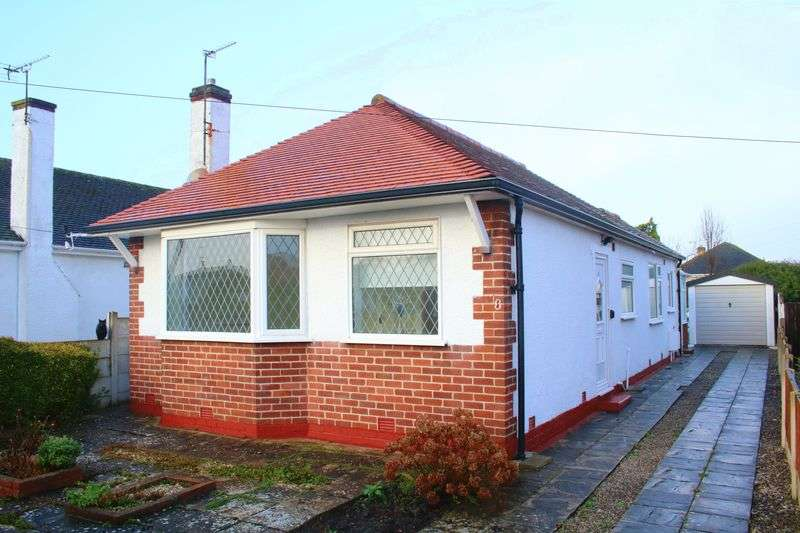 2 Bedrooms Detached Bungalow for sale in Weaverton Drive, Rhyl