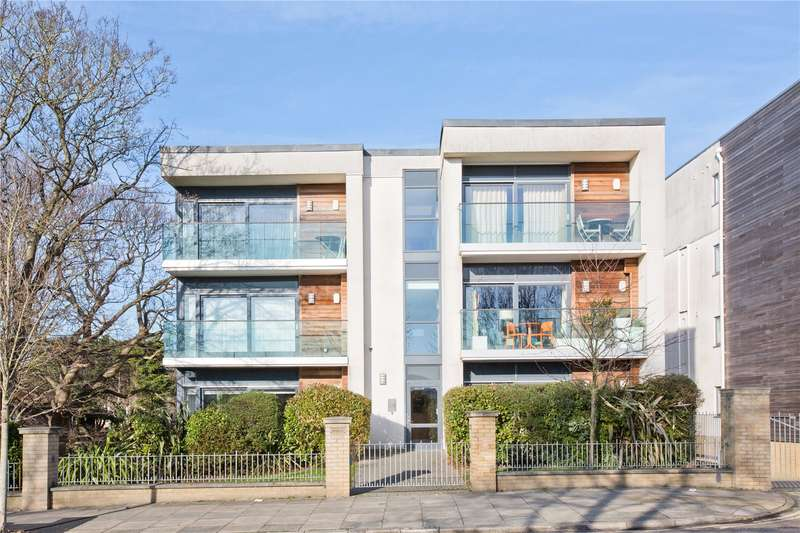 2 Bedrooms Flat for sale in The Upper Drive, Hove, East Sussex, BN3
