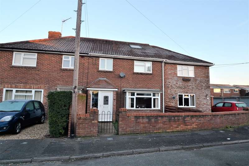 3 Bedrooms Terraced House for sale in Ringwood, Hampshire