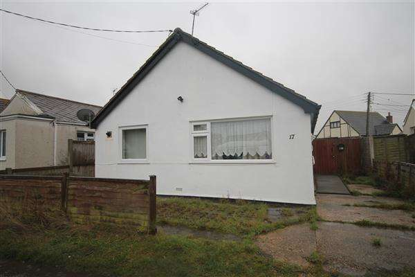 2 Bedrooms Bungalow for sale in Gorse Way, Jaywick Village