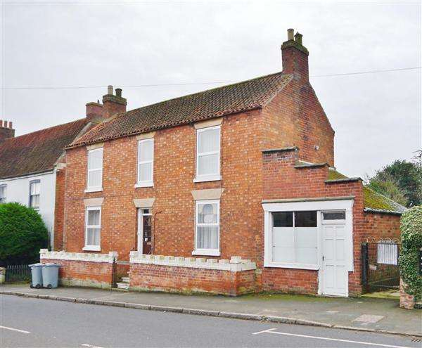 4 Bedrooms Detached House for sale in The Poplars, 23 High Street, Great Gonerby, Grantham