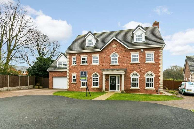 6 Bedrooms Detached House for sale in Rowton Rise, Standish, WN1 2TU