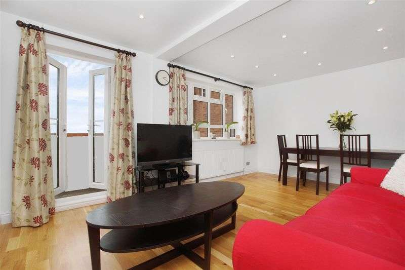 3 Bedrooms Flat for sale in Finchley Road NW11