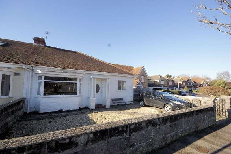 2 Bedrooms Semi Detached Bungalow for sale in Perth Road, Gosport