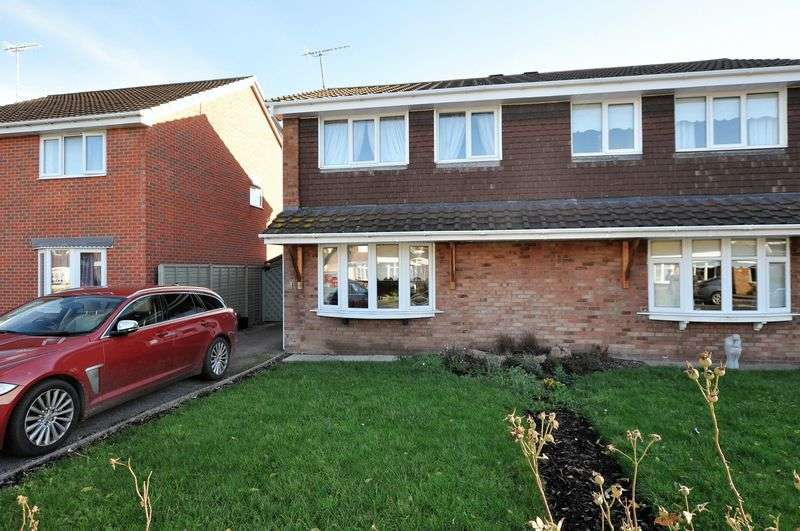 3 Bedrooms Semi Detached House for sale in Ravens Way, Shobnall