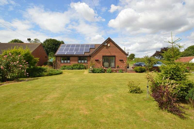 3 Bedrooms Detached Bungalow for sale in Helperthorpe, Near Malton