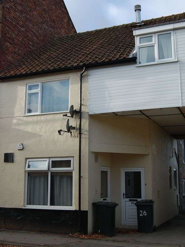 3 Bedrooms Flat for sale in Wold Street, Norton