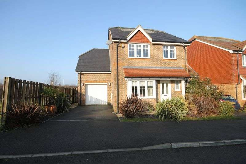 4 Bedrooms Detached House for sale in Hammonds Ridge, Burgess Hill, West Sussex