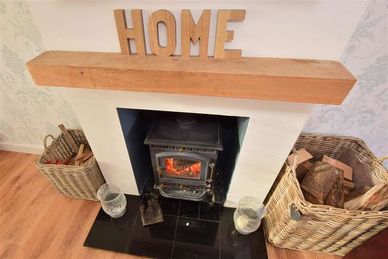 3 Bedrooms Terraced House for sale in Broomfield Road, Faversham, Kent