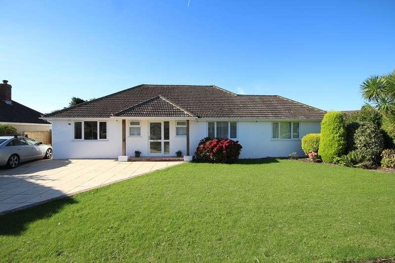 3 Bedrooms Detached Bungalow for sale in Barton Way, Barton On Sea, New Milton