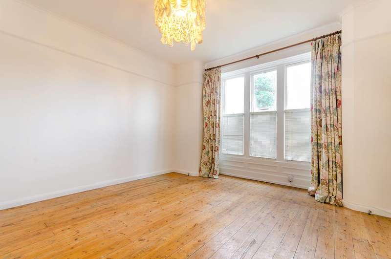 3 Bedrooms Flat for sale in Bedwardine Road, Crystal Palace, SE19
