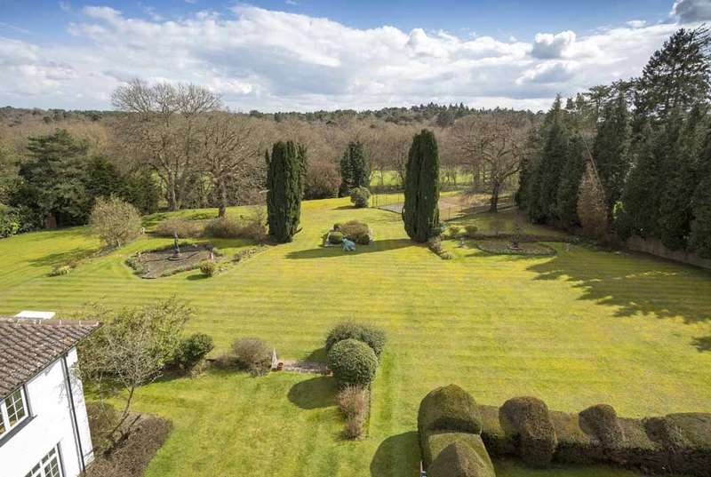 10 Bedrooms Detached House for sale in West Drive, Wentworth, Virginia Water, Surrey, GU25