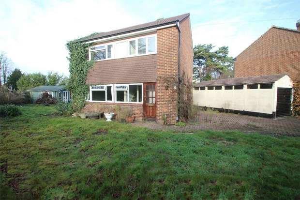 3 Bedrooms Detached House for sale in Bisley, Woking, Surrey