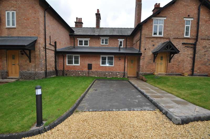 3 Bedrooms Property for sale in Woodside Cottages, Hindlip, Worcester