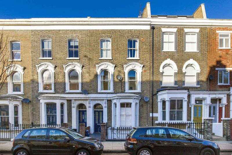 1 Bedroom Flat for sale in Dunlace Road, London