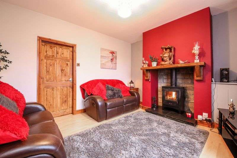 3 Bedrooms Semi Detached House for sale in Alma Walk, Upholland