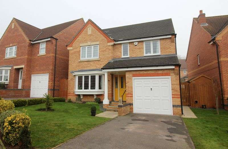 4 Bedrooms Detached House for sale in Berilldon Drive, St. Georges Park, Lincoln