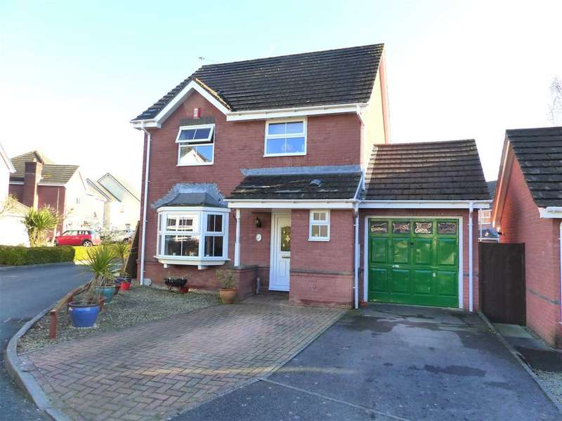 3 Bedrooms Detached House for sale in Cadoc Close, Caerwent, Caldicot