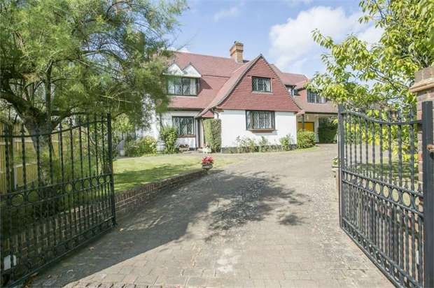 6 Bedrooms Detached House for sale in Wrotham Road, Meopham, Gravesend, Kent