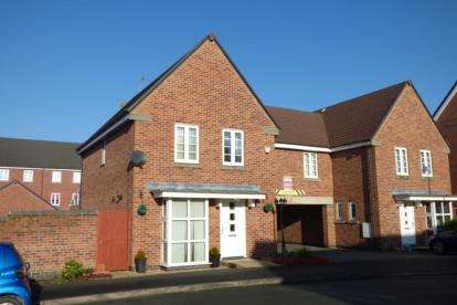 3 Bedrooms Link Detached House for sale in Phoenix Place, Chapelford Village, Warrington, Cheshire