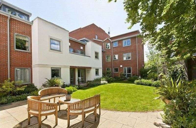 1 Bedroom Flat for sale in Dial Stone Court: PENTHOUSE, SOUTH FACING, BALCONY **MUST BE VIEWED TO APPRECIATE**