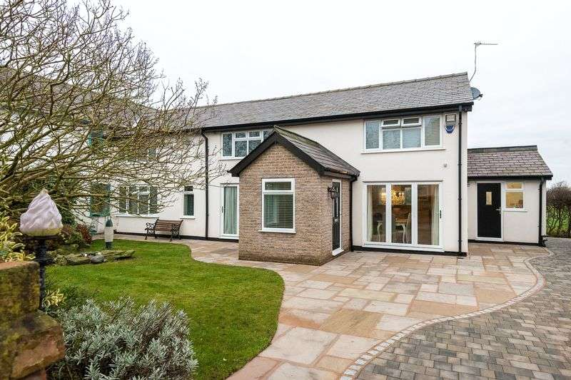 3 Bedrooms Detached House for sale in Plex Moss Lane, Halsall