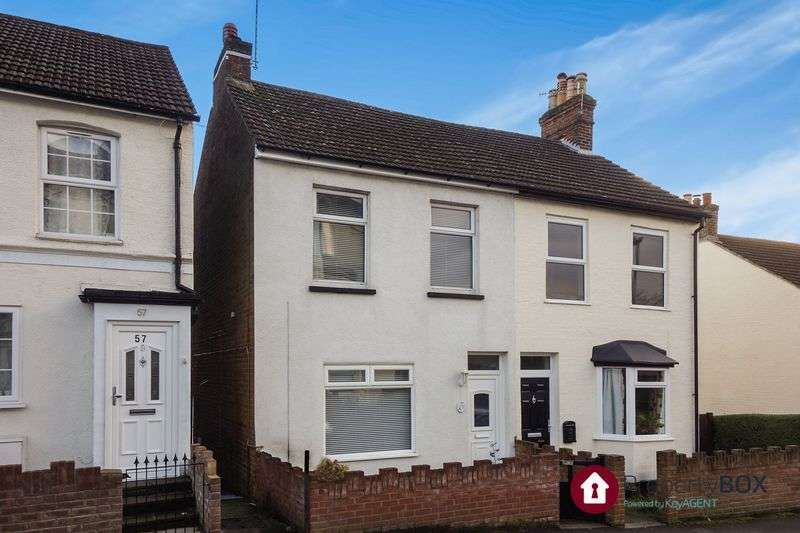 3 Bedrooms Semi Detached House for sale in Waterloo Road, Aldershot