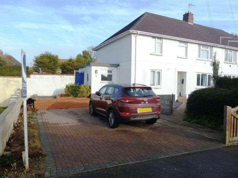 2 Bedrooms Flat for sale in Castle Road, Rhoose
