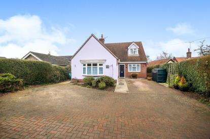 4 Bedrooms Bungalow for sale in Middleton, Saxmundham