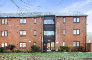 2 Bedrooms Flat for sale in Croydon Grove, Croydon, Surrey