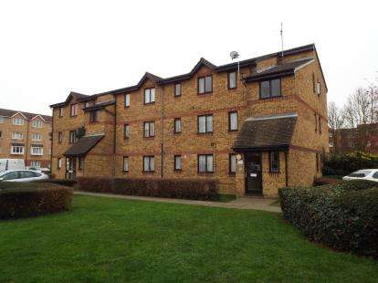 1 Bedroom Flat for sale in Chaffinch Close, London