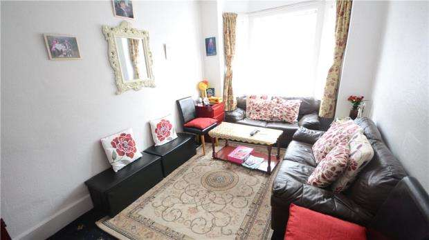 3 Bedrooms Terraced House for sale in Filey Road, Reading, Berkshire