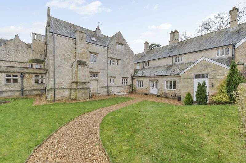 3 Bedrooms Flat for sale in Stretton, Oakham