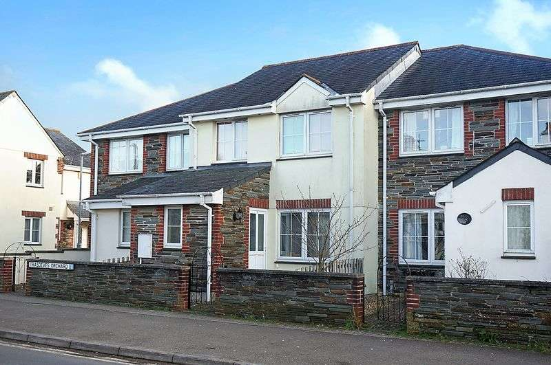 3 Bedrooms Terraced House for sale in Tavistock Road, Callington