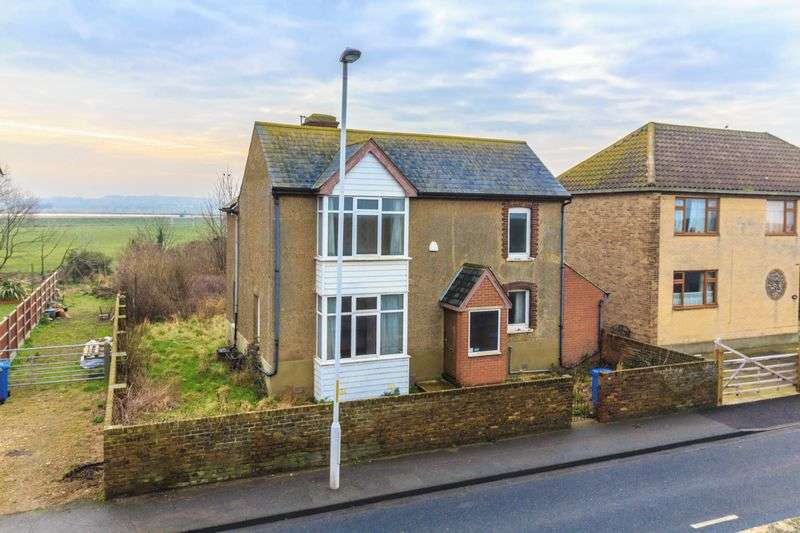 3 Bedrooms Detached House for sale in Marine Parade, Sheerness