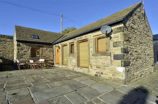 2 Bedrooms Barn Conversion Character Property for sale in Carr Head Road, Wortley, SHEFFIELD, South Yorkshire