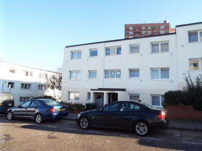 2 Bedrooms Flat for sale in Essex Close, Luton, Bedfordshire