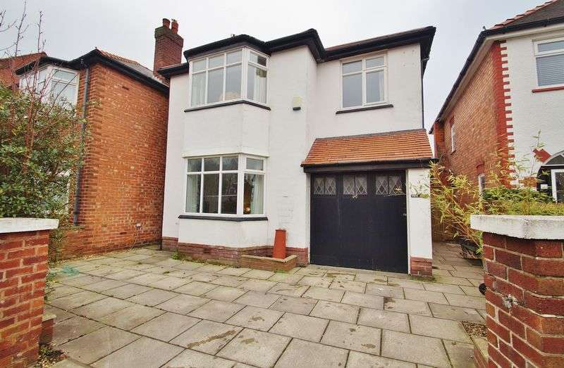 4 Bedrooms Detached House for sale in Princes Street, Southport