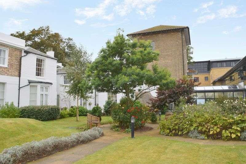 1 Bedroom Flat for sale in Amelia Court: LARGER THAN AVERAGE APARTMENT **TAILORED CARE PACKAGES AVAILABLE**